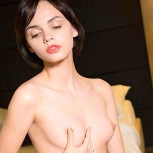 Foxy - Whores Berlin 22 Years Model Agency French Kisses