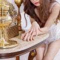 Öl Body Massage vereinbaren mit klein zierlich von Modelagentur