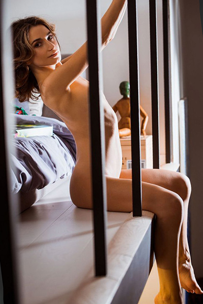 Angelique escort lady first class through Frankfurt escort agency for leisure contacts with French with contraception make an appointment