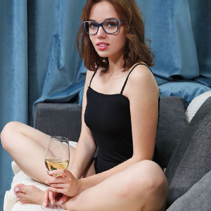 Verena Nymphomaniac Arrange an appointment with the help of escort Berlin for the truck car with doctor games