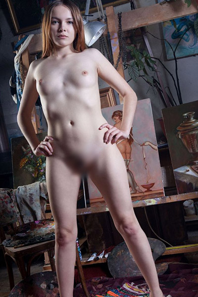 Sara celebrity lady very pretty about Berlin's escort sex personals with service handicapped make appointments
