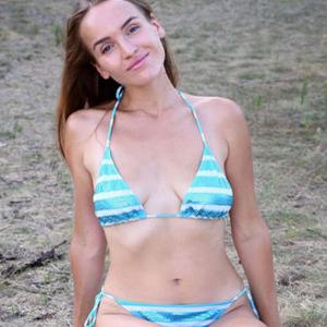 Dena Freizeit Model horny through escort agency Berlin for sex acquaintances with bi service couples make an appointment