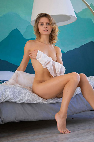 Tessy glamor lady lovingly arrange an appointment through Berlin escort agency for erotic sex adventures with intercourse in straps & high heels