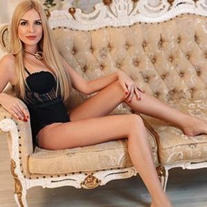 Abigell - Callgirl in Frankfurt am Main blond liebt Lesbische Spiele