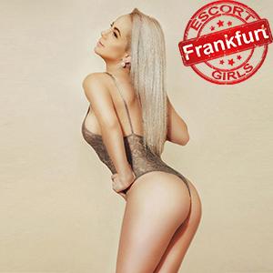 Ajana - Escort Frankfurt blonde Frau sucht Mann für Dildo Sex Spiele