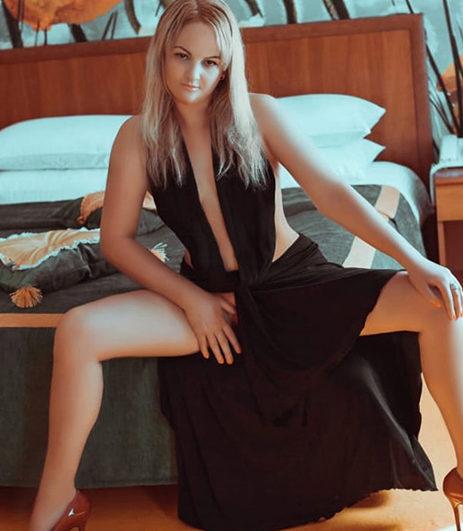Alika - Ladies Wuppertal 26 Years Apartment Special Oil Massage