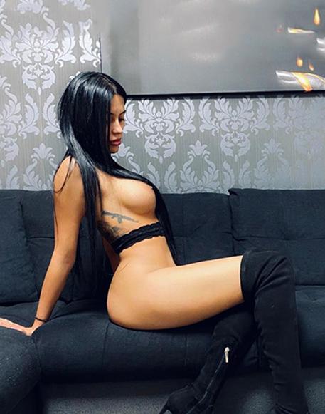 Amore - VIP Dame Potsdam Spricht Englisch Agentur Striptease