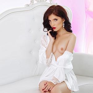 Barby Asia - Erreichbar über Agentur für Sex Vermittlung mit Freizeithuren aus Asien
