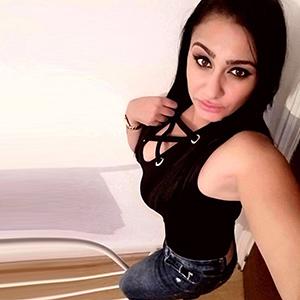 Beatriz - AV Sex bei Hotel Hausbesuche mit Teengirls aus Brasilien