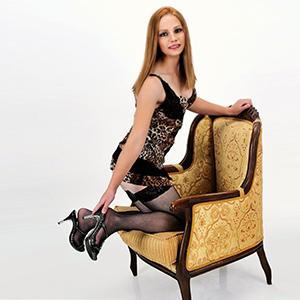 Conny - Sexanzeige von versaute 19 Jahre Dreilochstute für Dates im Hotel