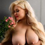 Ella Hot - Domina aus Potsdam regt die Fantasie mit Fetisch Spiele an