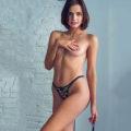 Rita - Zierliche Hostessen lieben Sex und Striptease