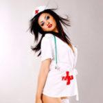 Esmeralda - Model in Berlin heizt mit heißem Strip Spiel beim Date an