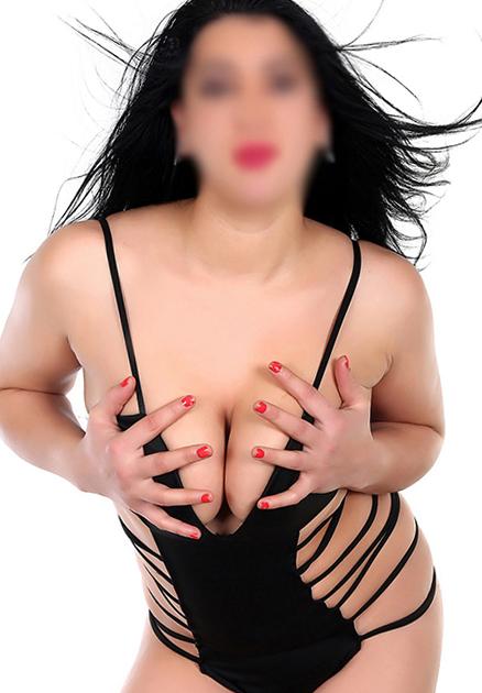 Fanni - Prostituierte Berlin 21 Jahre Vielseitig Korsett