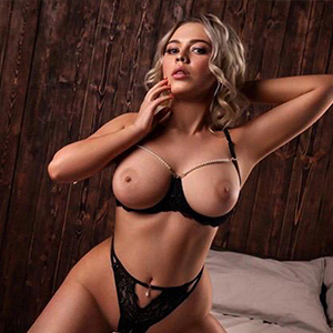 Gwineth Blond - Hostesses in Berlin awaken the desire with Role Play Special in Affair