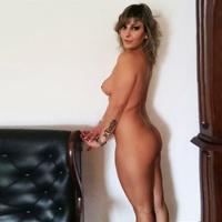 Linda - VIP Hausfrau mit umfangreichem Escortservice