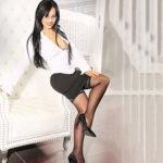 Jaklin - Glamour Ladie bei der Modelagentur sorgt für Sperma Höhepunkte