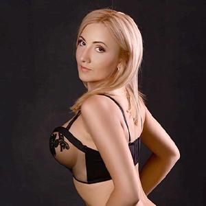 Liane - Geile Hausfrau aus Belgien steht auf Gesichtsbesamung beim Orgasmus