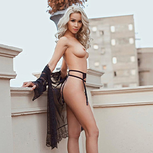 Liga Blond - Escort Girls Berlin likes Petting and Body Insemination during the Adventure Experience