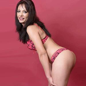 Nicky - Sex bestellen zum Hotel Haus Private Hausfrau liebt intime Wasserspiele