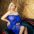 Pamela - Housewives in Berlin offers hot Kisses at the one Night Stand