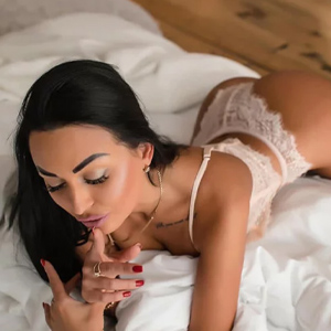 Renate - Hostesses in Frankfurt satisfy their Sex Partner with Egg Licking