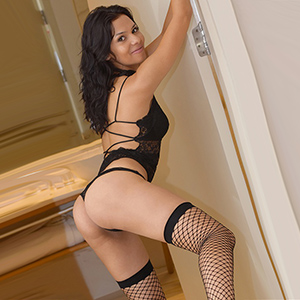 Selena - Leisure Contacts With Thoroughbred Teen For Sex & Oil Massage At Dates In The City