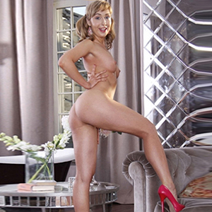 Smilla - Reife High Class Escort Modelle bieten Analsex