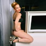 Sonya - Sportliche Edel Hure in sexy Strümpfen in die Wohnung bestellen