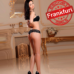 Stefania - Private Model In Frankfurt Is Looking For Intimate Acquaintances