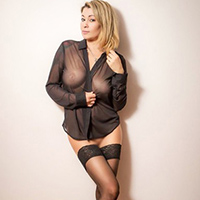 Tina Slim - Young Berlin 24 Years Leisure Whore Enchants With Pee