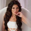 Viola - Privatmodel aus Berlin erfreut mit Vibratorspiele nackt im Bett