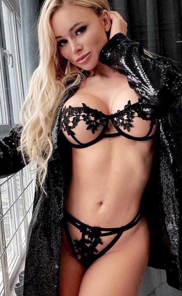 Luna Hot - High Class Ladies Frankfurt 25 Jahre Dirty Talk Striptease